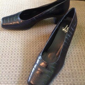 Life Stride Shoes - LIFE STRIDE Black Leather Pumps Gator Look 8